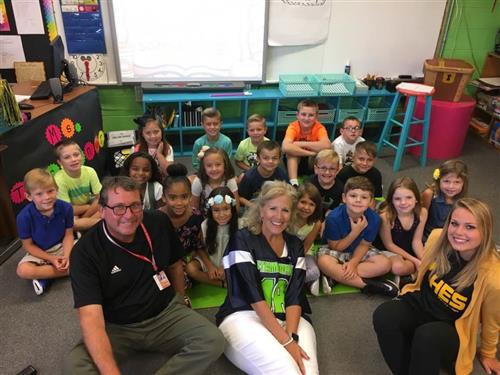 Superintendent with two teachers and students in a Hanson Elementary classroom